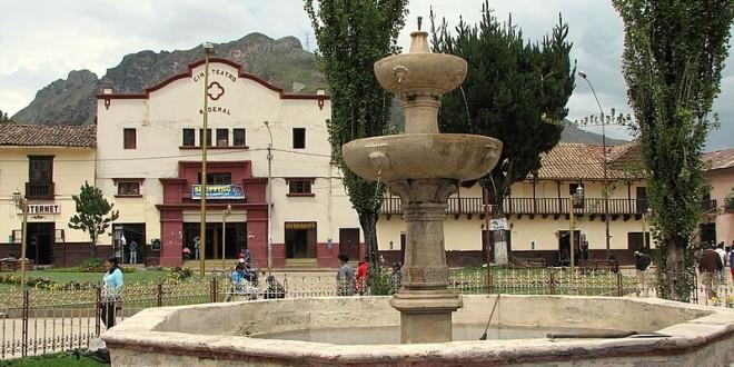 Plaza_de_armas_de_Huancavelica